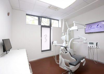 Bahandlungszimmer Ansicht 2 Praxis Zahnarzt Dr. Bals